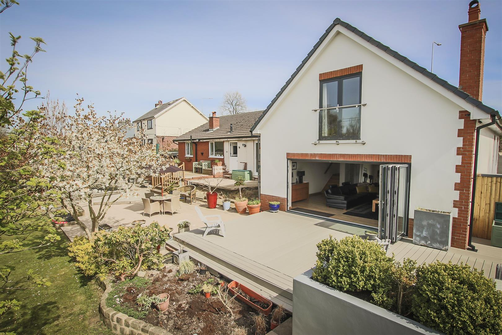 6 Bedroom House For Sale - Image 39